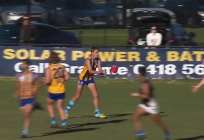 Confused ruckman is hilariously duped into hand-balling to his opponent