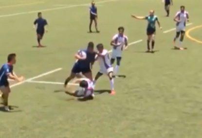 Forward's rib-breaking hit-up sets up teammate's runaway try