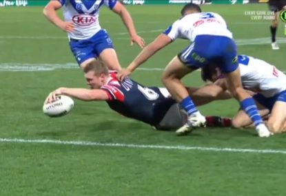 Drew Hutchison stretches out to score a memorable try