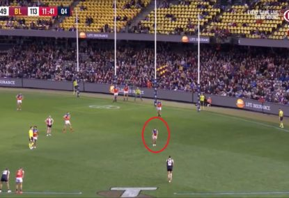Is this the weirdest on-the-mark distraction ever from Dayne Zorko?