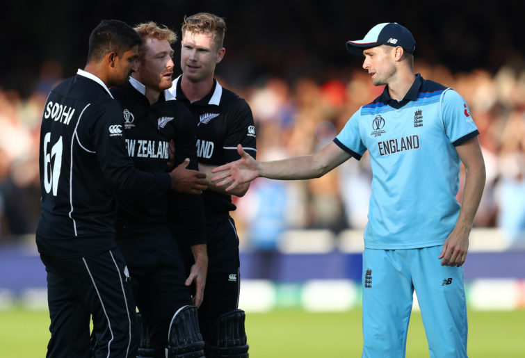 Chris Woakes and the beaten Kiwis.