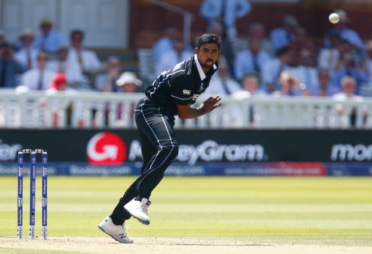 Ish Sodhi bowling for New Zealand against Australia at the ICC World Cup 2019
