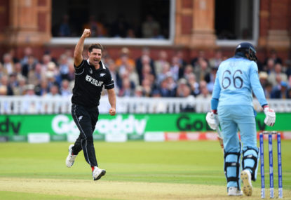Colin de Grandhomme celebrates dismissing Joe Root