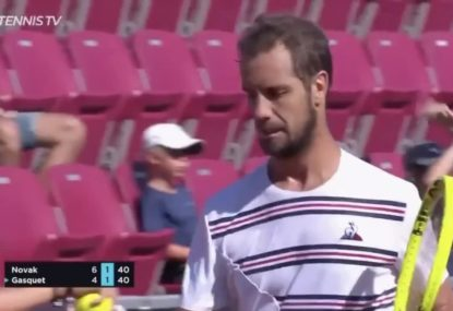 Dennis Novak forgets to play a shot