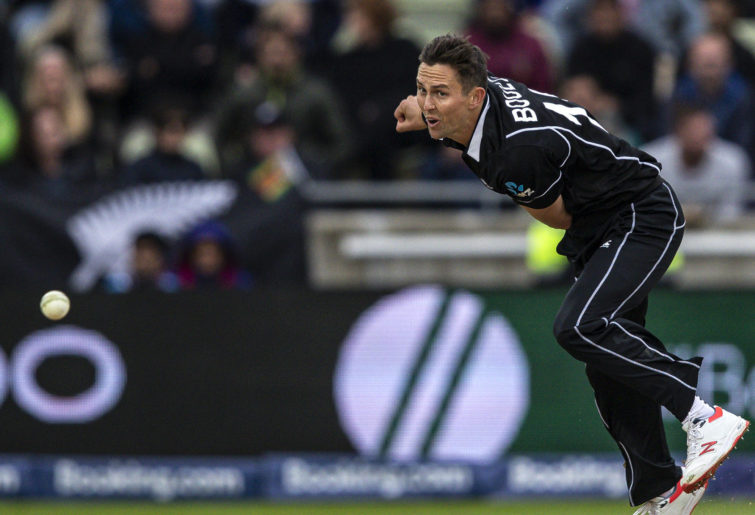 Trent Boult bowls for New Zealand