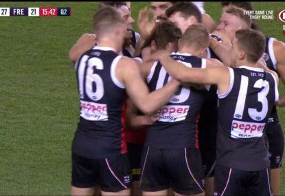 Heartwarming scenes as the Saints get around Jack Steven on AFL return