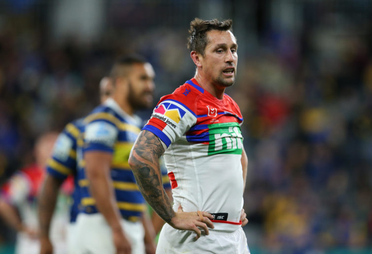 Mitchell Pearce doing the double teapot.