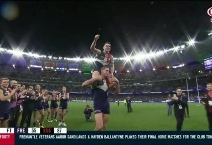 Retiring Dockers veterans given iconic farewell after loss to Bombers