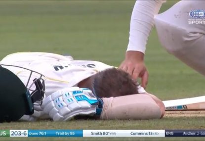 Scary moment as blow to the neck forces Steve Smith to retire hurt