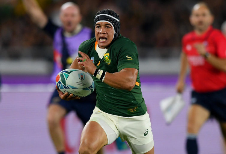 Cheslin Kolbe makes a break