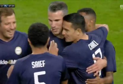Tim Cahill sets up Robin van Persie with silky backheel assist