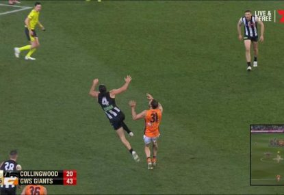 Pies fans furious as Finlayson goals after getting away with blatant push