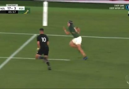 Richie Mo'unga pulls off an absolutely incredible try saver on Cheslin Kolbe