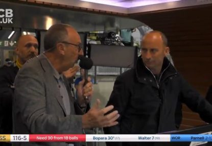 Nasser Hussain's priceless reaction to Bumble Lloyd singing 'Sweet Caroline'