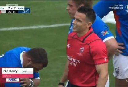 Australian referee gets bumped off by Italian legend Sergio Parisse