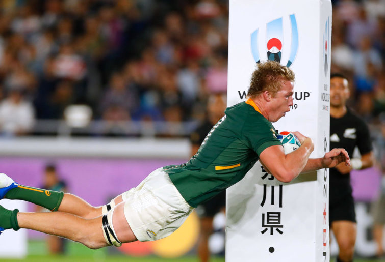 Pieter-Steph Du Toit dives in for a try