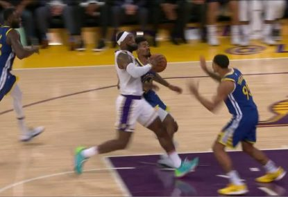 What can't he do? LeBron stuns Warriors with epic over the head pass