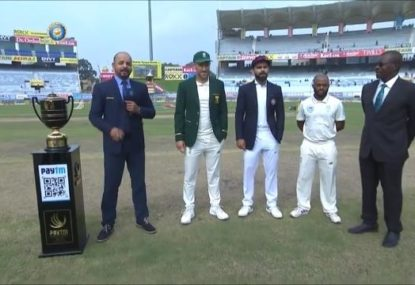 'Pathetic': Faf du Plessis savaged for bizarre move at the coin toss