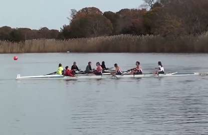 Incompetent rowers spark hilarious chaos in Regatta