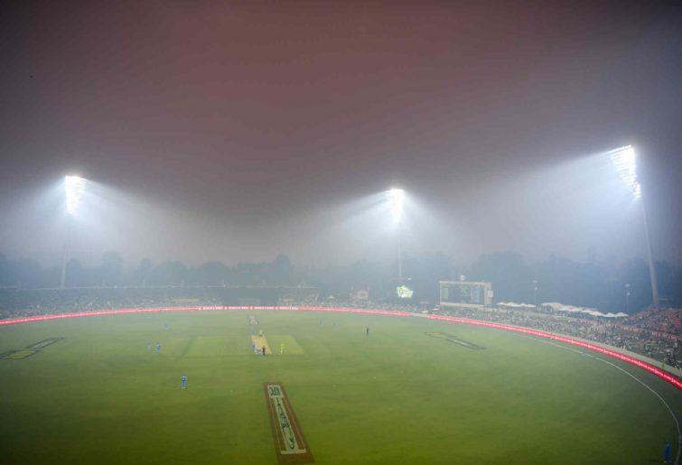 Smoke engulfs Manuka Oval