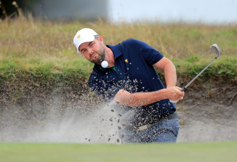 MELBOURNE, AUSTRALIA - DECEMBER 14: Marc Leishman playing in the 2019 Presidents Cup at Royal Melbourne Golf Club. (Photo by David Cannon/Getty Images)