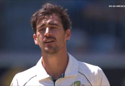 Mitchell Starc savagely sledges NZ opener... then instantly gets him out