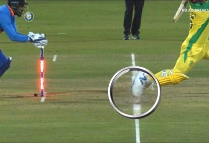 Was Aaron Finch dudded by controversial stumping decision?