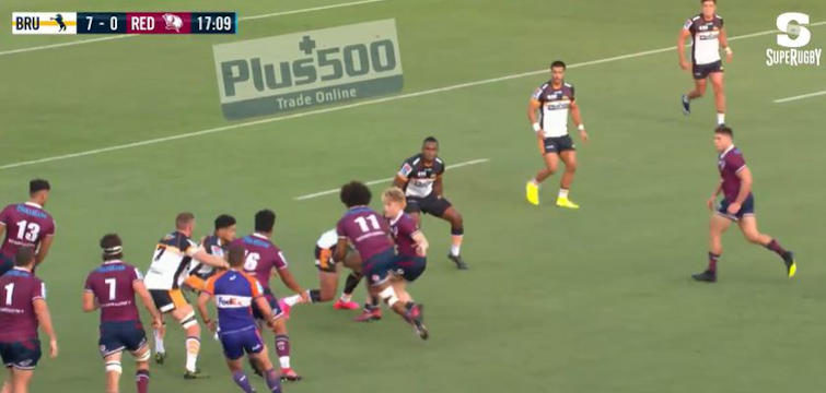 isaac lucas try assist to henry speight