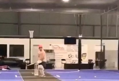 Club cricketer instantly regrets trying to face 150km/h bowling machine