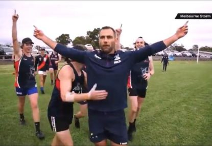 Cameron Smith shows he could have been an AFL star too with perfect set shot