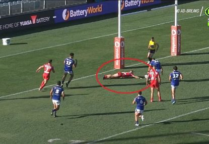 Matt Dufty gifts the Warriors a try with ugly fumble in the worst possible spot