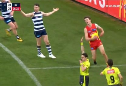 Dangerfield somehow convinces ump to pay hugely dodgy free kick