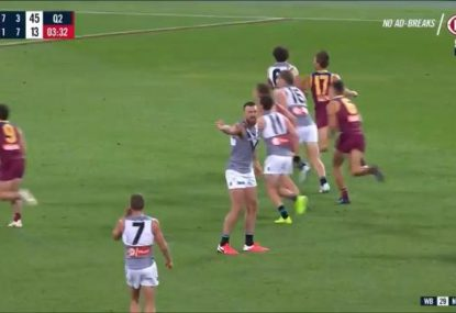 Inexplicable missed free kick enrages Dermott Brereton- and Charlie Dixon