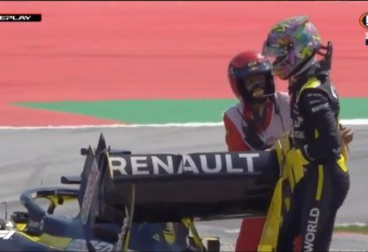 Daniel Ricciardo limps away from scary F1 crash in practice
