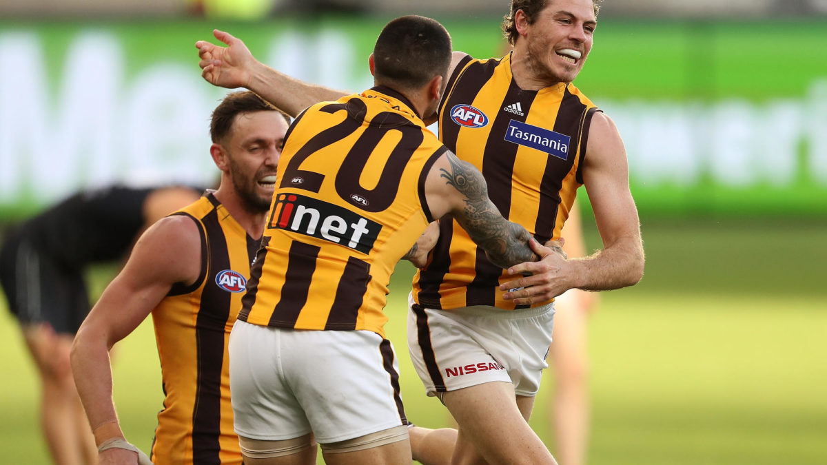 Isaac Smith announces shock move to Geelong