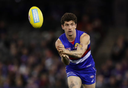 Western Bulldogs vs Adelaide Crows: AFL live scores