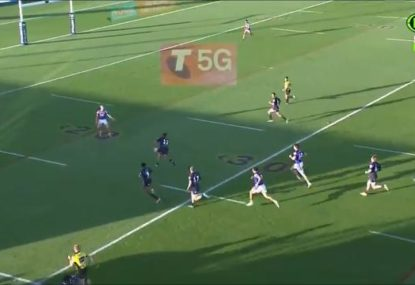 Did the referee miss a forward pass to set up a Cameron Smith try?