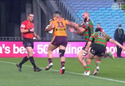Ref's life flashes before his eyes as David Fifita charges straight towards him