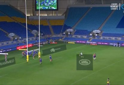 Waratahs kicker's embarrassing miss from a quick conversion attempt