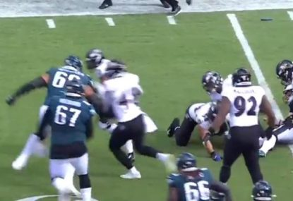 156kg Aussie ex-league player hows how to tackle in the NFL with HUGE hit