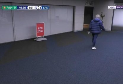 Jose Mourinho cannot believe it as Spur leaves pitch for toilet break at crucial time