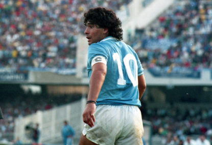 Thousands file past Maradona's coffin