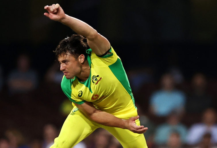 Stoinis in doubt as Aussies hunt series win