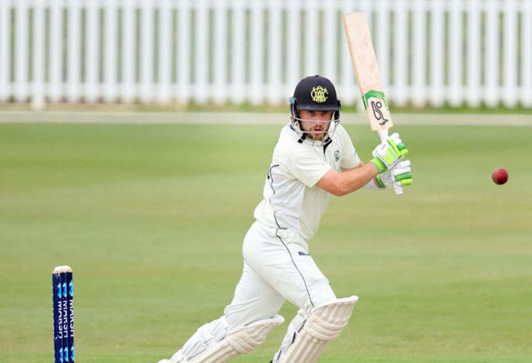 Josh Inglis of Western Australia bats.
