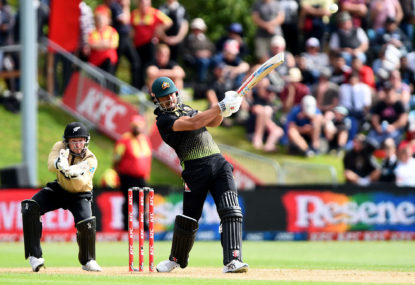 Australia fall agonisingly short in second T20 despite Stoinis heroics