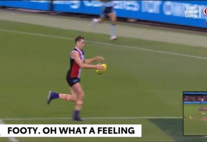 Commentators take the mickey out of Saints ruckman's bizarre ball drop