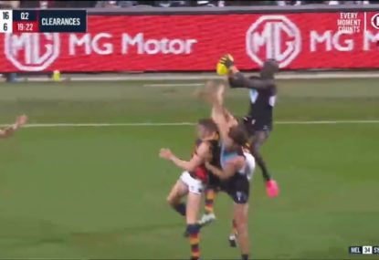 Aliir Aliir forgets about wet-weather footy with an enormous flying grab