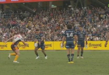 Val Holmes calmly slots match-winner after teammates nearly blow field goal chance