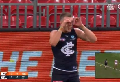Patrick Cripps decides to have a go at Razor Ray, instantly regrets it