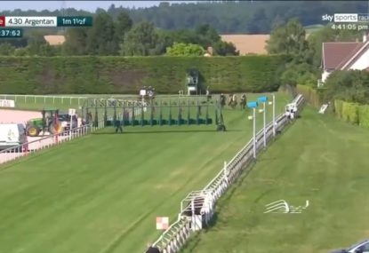 Drama as the officials cannot remove starting barrier from the track in France